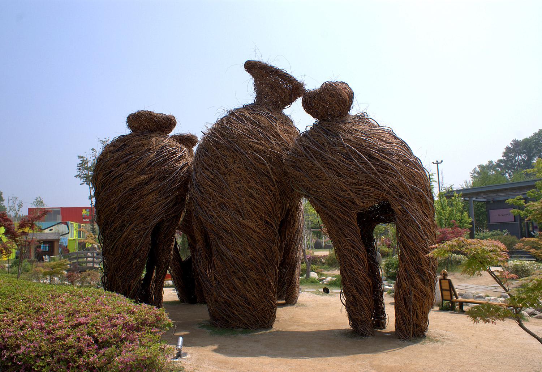 24. Traveling Companions (2013), Deokpyeong Ecoland, Seoul, Korea.