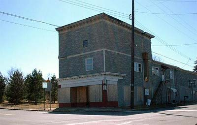 image, Boarded-up building in downtown Centralia, early spring 2002. Photo courtesy Cricket of Palmyra, PA.