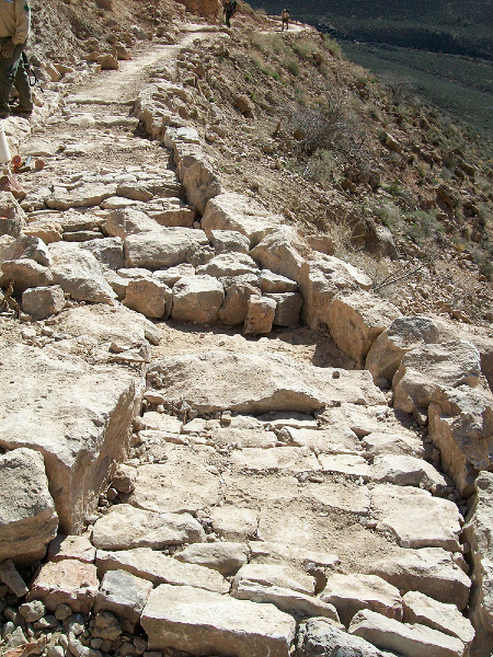 kaibab-limestone-riprap-inlaying-the-red-and-whites