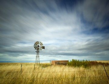 Windmill in western Kansas landscape