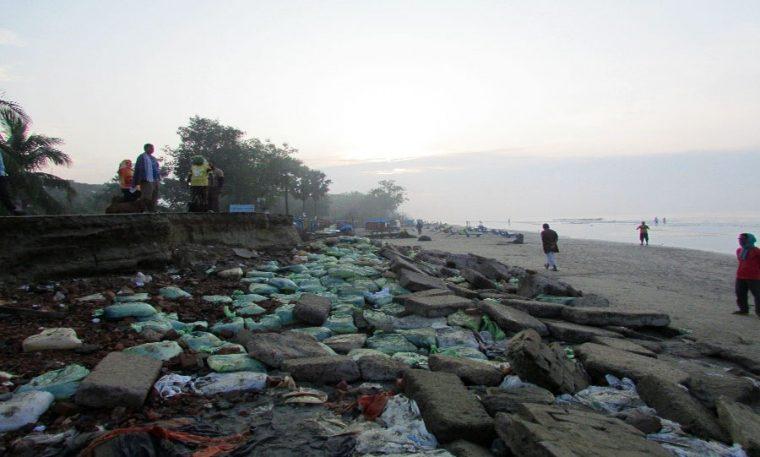 Coastal erosion and sandbags